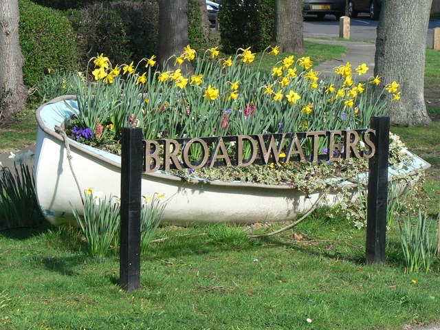Wick: Broadwaters entrance sign