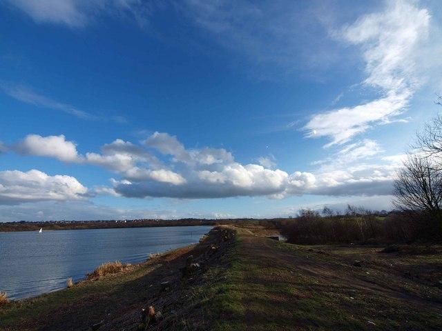 Wintersett Reservoir dam wall