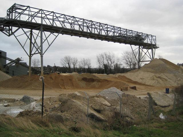 Greenhithe: Johnson's Wharf conveyor (2)