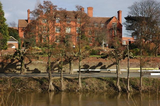 River side building, Worcester