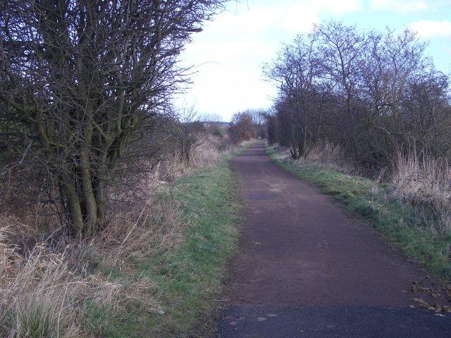 Cycle route near Ormiston