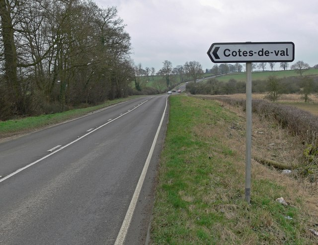 At the junction for Cotes-de-val
