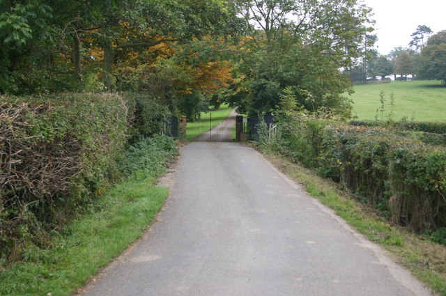 The road into Latchford