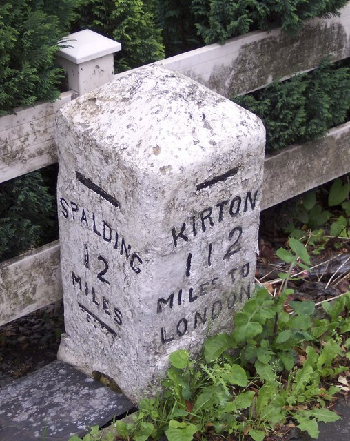 London Road mile stone, Kirton