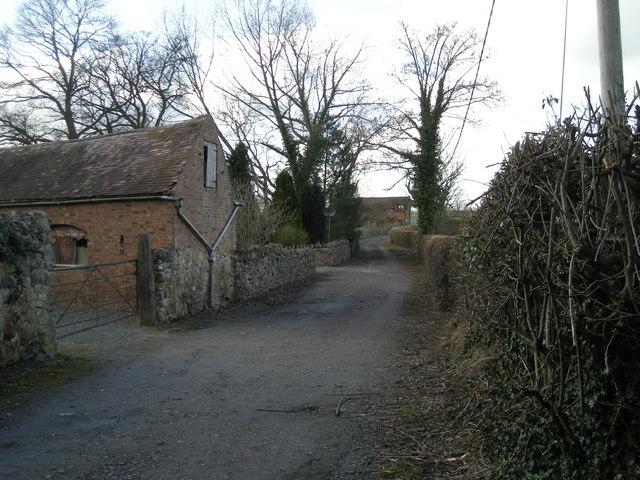 Footpath to Halesfield