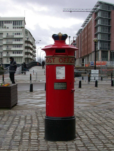 "Liverpool ""special"" post box"