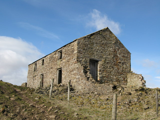 Ruined cottage near West  End