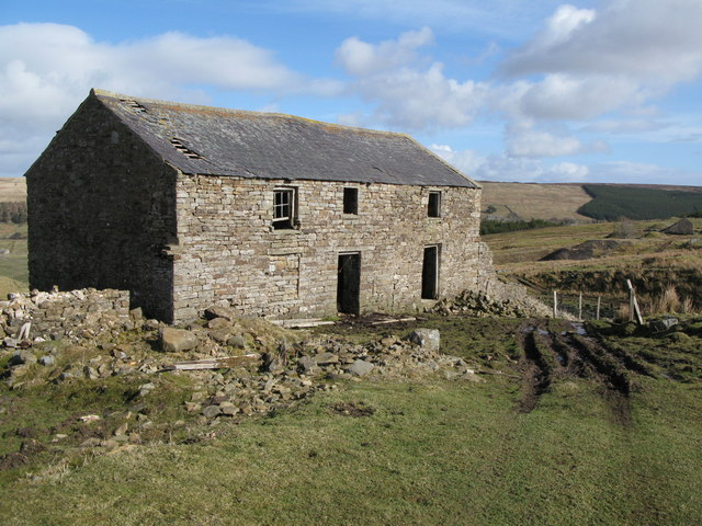 Ruined cottage near West End (2)