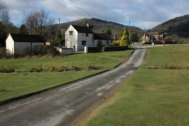 Cottages on Hollybed Common