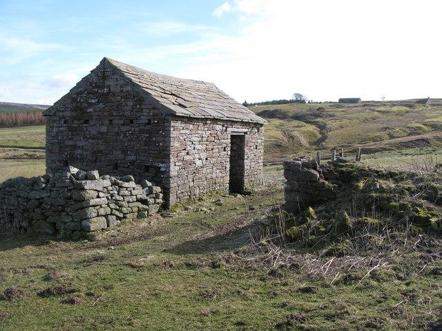 Stone barn near West End (2)
