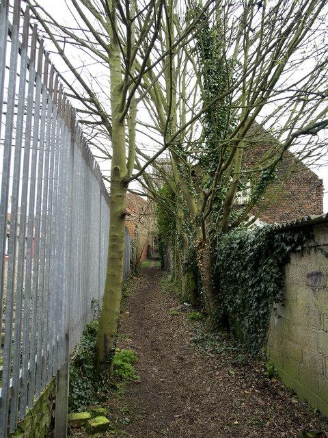 Public footpath to Preston Church