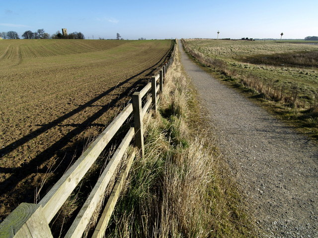 Footpath at the side of Paull's Tidal Lagoon