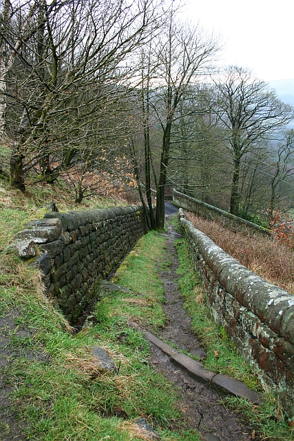 Walled lane above Lumb Bank, Heptonstall (2)