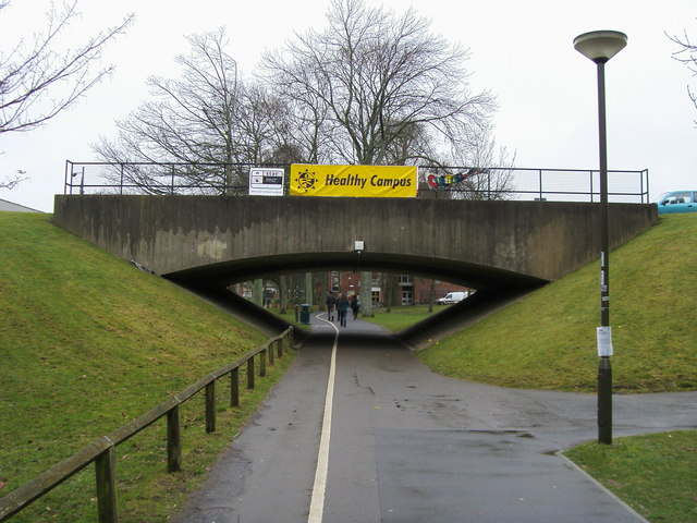 Footpath under Arts Road