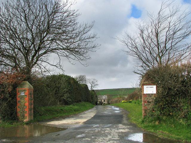 Entrance to Ley Farm