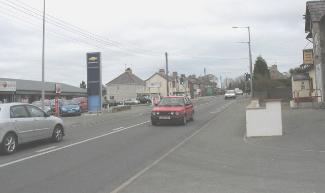 The busy A487 at Dinas, Llanwnda