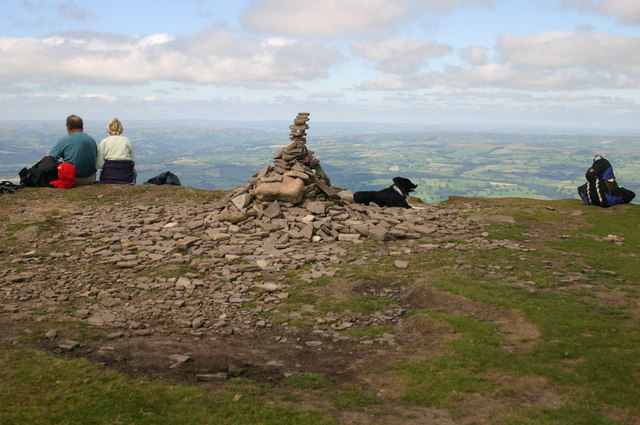 Cairn of Lord Hereford's Knob