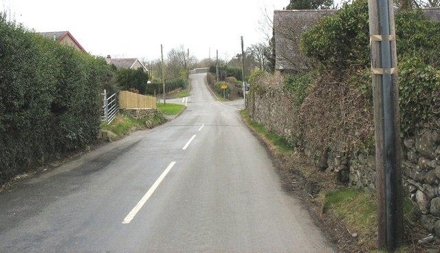 Minor road from Dinas to Saron