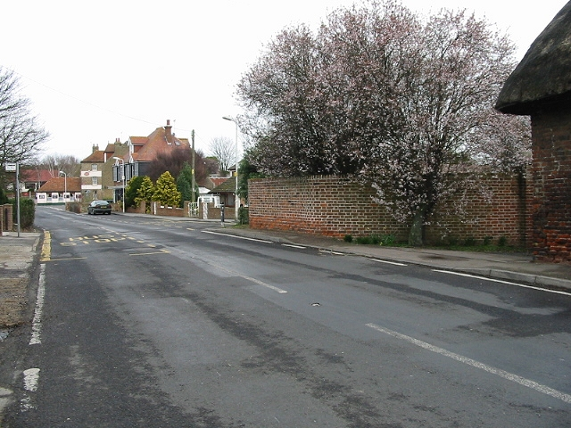 View along Minster Road, Acol