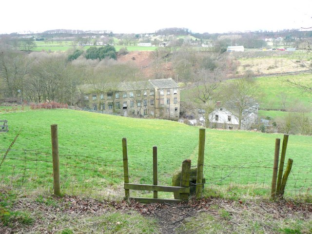 Stile and path to Gatehead, Stainland