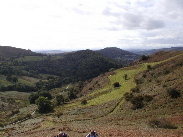 Cwms - between Caer Caradoc & Helmeth Hill