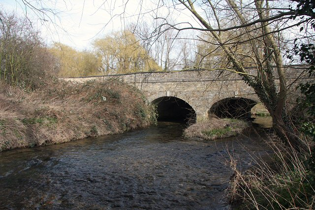 Road bridge at Hauxton Mill
