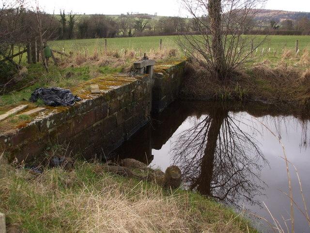 Sluice & Dam Wall