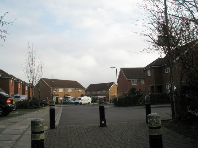 Looking into Cunningham Close from Horsea Lane