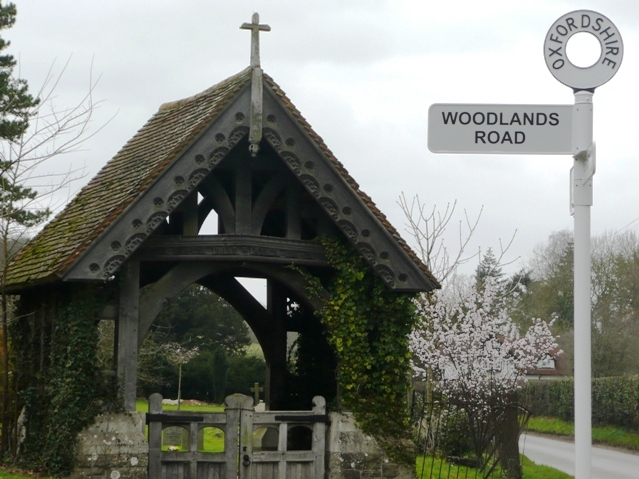 Woodlands Road lych gate