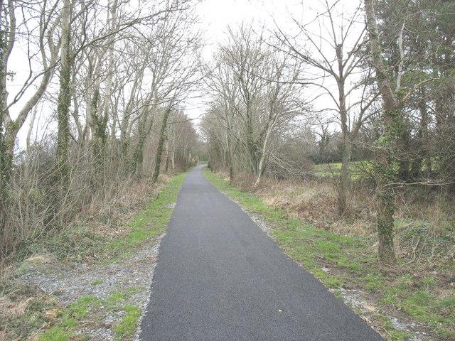 The Lon Eifion Cycleway south of the Afon Rhyd bridge