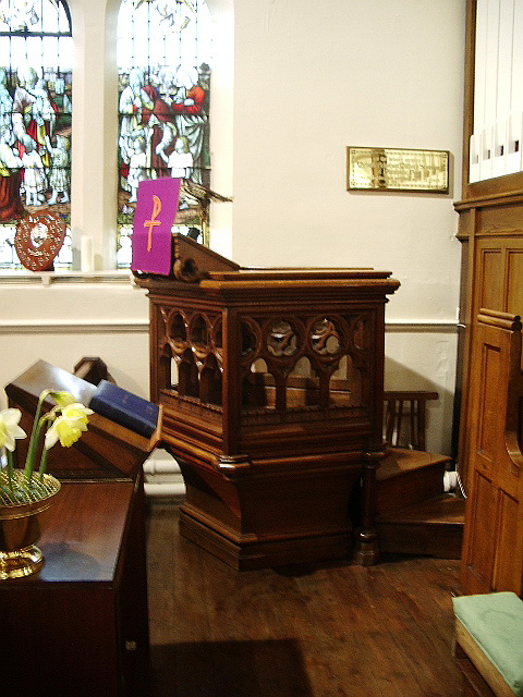 Parish Church of St Wilfrid, Pool-in-Wharfedale, Pulpit