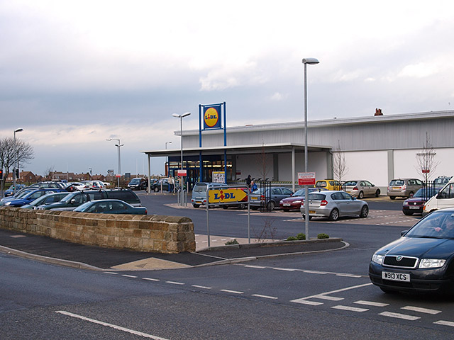 Lidl supermarket on Stakesby Road