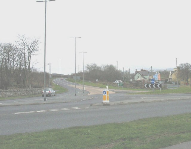 The junction of the A487 and A499 at Llanwnda