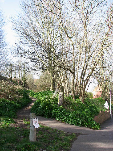 Footpath to St Martin's Close