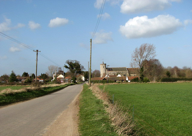 Approach to Tuttington from the south