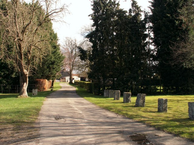 The approach to Skeggs Farm in Writtle