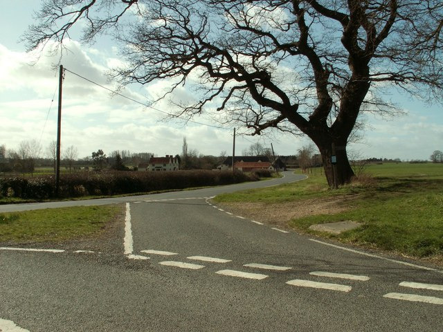A road junction on Elms Road