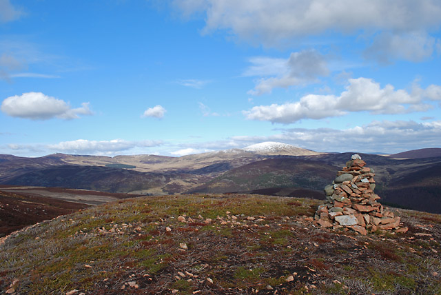 Cairn east south-east of Carn Dearg