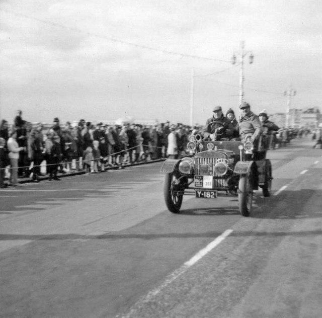 1904 James & Browne 9hp Twin Cylinder Rear Entrance Tonneau, London to Brighton Veteran Car Run 1968