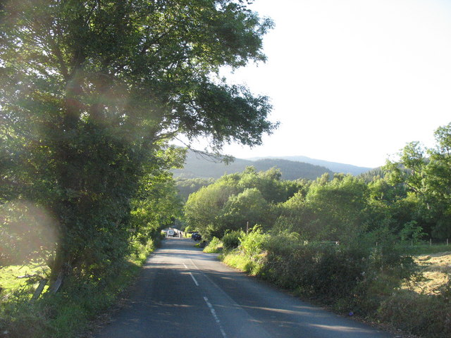 Approaching the old Llanelltyd bridge from the south