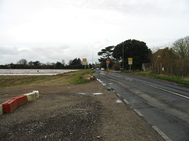 Traffic calming on the approach to Manston