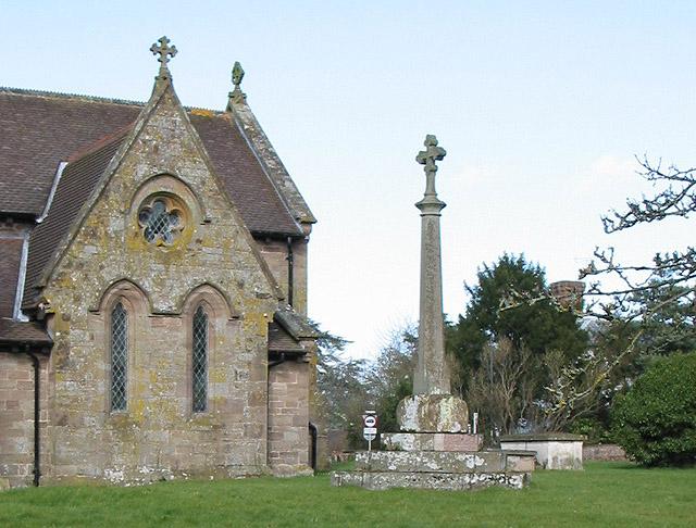 Medieval churchyard cross, St. Peter's, Lugwardine