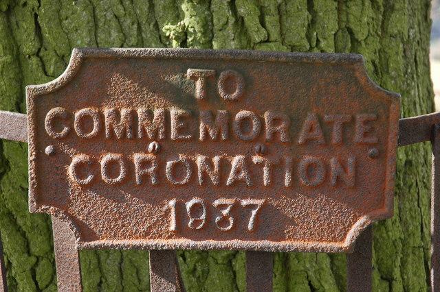 Coronation plaque, Coombegreen Common
