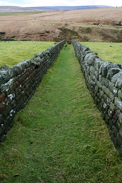 Walled Footpath to Graining Water