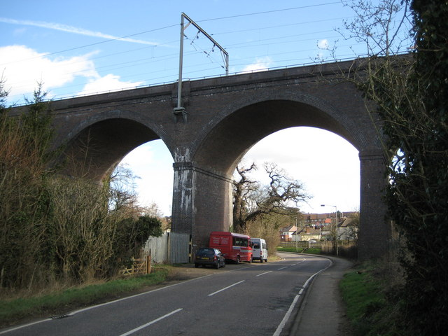 Hertford: Railway viaduct over the River Lee valley