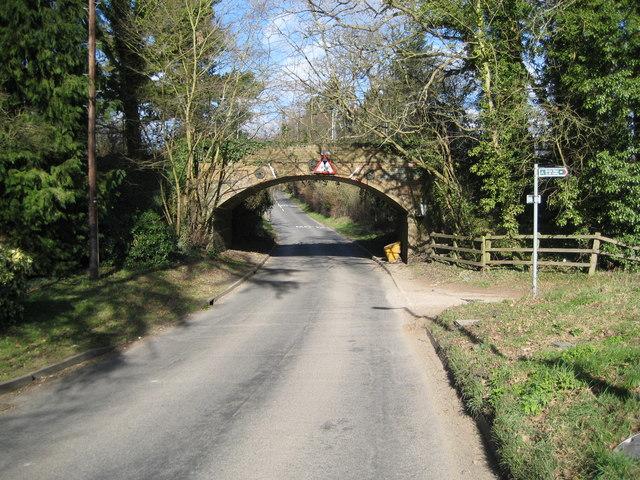 Hertingfordbury: St Mary's Lane railway bridge