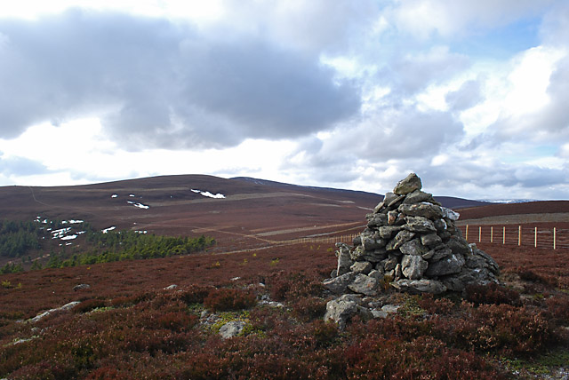 Cairn on the south summit of Carn Dearg - 2