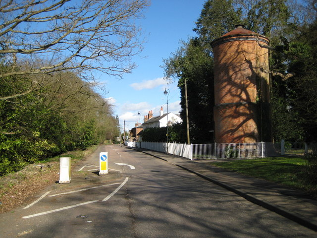 Essendon: B158 High Road and disused water tower