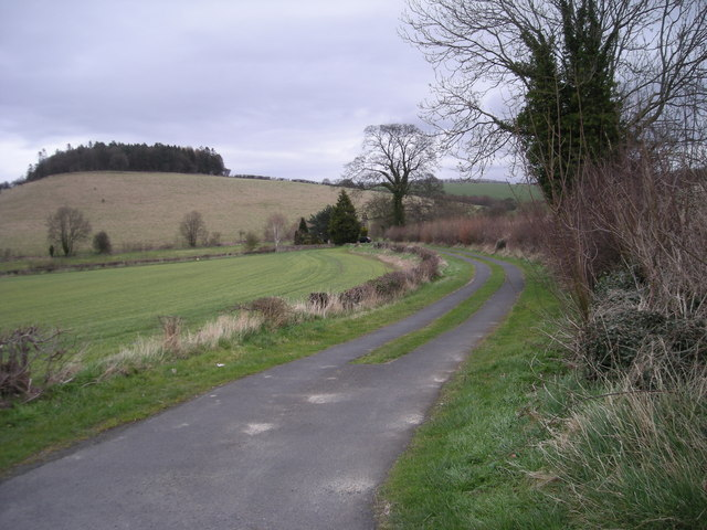 Footpath to Arlescott Farm