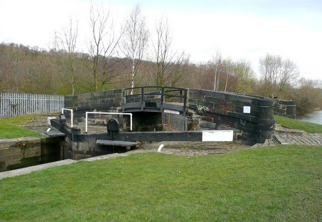 Bridge at Cromwell Lock, Southowram